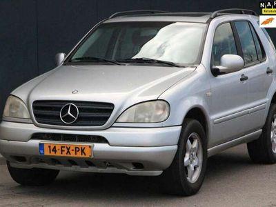 tweedehands Mercedes ML320 Elegance Automaat Leer/Schuifdak/Airco/