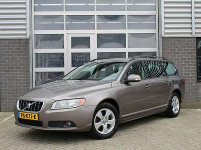 tweedehands Volvo V70 2.0D 136PK Momentum Navigatie / PDC / Trekhaak