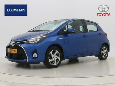 tweedehands Toyota Yaris 1.5 Hybrid Aspiration   Navigatie   Bluetooth   Lichtmetalen velgen   Mistlampen