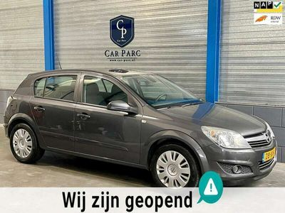 tweedehands Opel Astra 1.9 CDTi Business LAGE KMSTAND\AUTOMAAT\AIRCO\CRUI