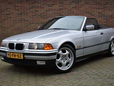 tweedehands BMW 318 Cabriolet 318i Executive '00 Clima Leder Hardtop inru
