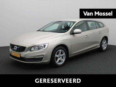 tweedehands Volvo V60 CC T3 2.0 152 PK | Navi | E | PDC | LMV |