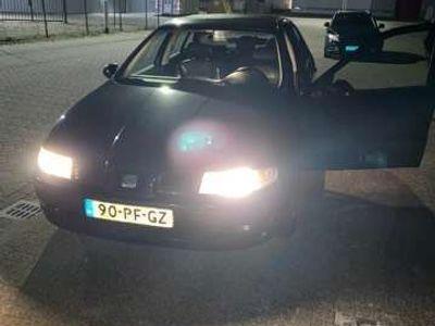 tweedehands Seat Leon 1.6-16V Signo