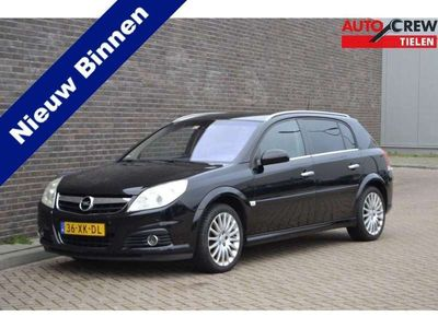 tweedehands Opel Signum 2.2-16V Executive Automaat, navi, leder, mooie auto!!!