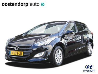 tweedehands Hyundai i30 Wagon 1.6 GDi i-Motion   Climate control   Parkeersensoren achter   Cruise control   Lichtmetalen velgen  