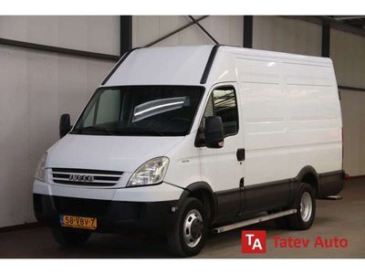 tweedehands Iveco Daily Daily40C18 180PK AUTOMAAT L2H2 TREKHAAK