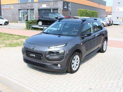 tweedehands Citroën C4 Cactus 1.2 PureTech Clima-Navi-Bluetooth-Camera-Trekhaak