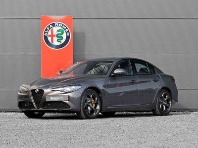 tweedehands Alfa Romeo Giulia 2.0T Sprint 2020 | Veloce stoelen | CarPlay | Navi