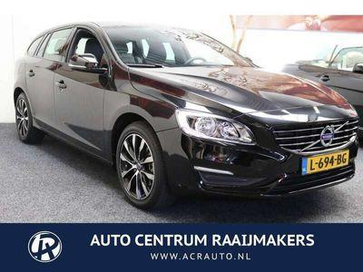 tweedehands Volvo V60 2.0 T3 Momentum 153 PK 15.132 KM !!! NAVIGATIE CRU
