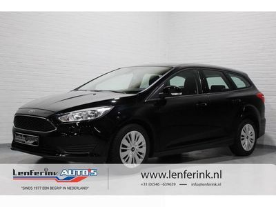 tweedehands Ford Focus Wagon 1.0 Trend 101pk Airco, Multifunctioneel stuu