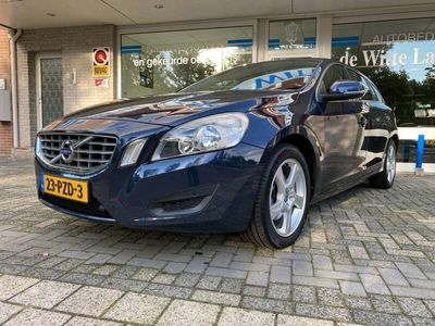 tweedehands Volvo V60 1.6 T4 Momentum