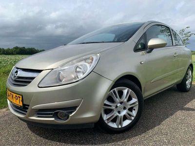tweedehands Opel Corsa 1.4-16V Cosmo '211DKM' Airco/Rijdt Goed/