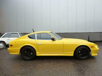 tweedehands Datsun 240Z -bright yellow