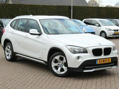 tweedehands BMW X1 sDrive18i Executive / Trekhaak / Navigatie / Parkeerhulp achter / Cruise Control / Sportstoelen