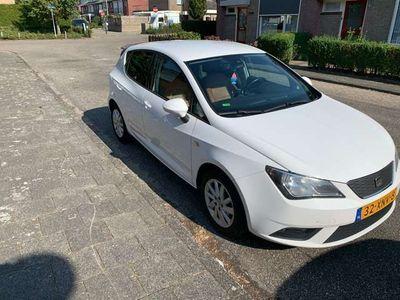 tweedehands Seat Ibiza 1.2 ecomotive met leder bekleding