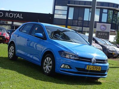 tweedehands VW Polo 1.0 TSI Comfortline 96 pk 5-deurs - Multimedia, Airco, CruiseControl, Trekhaak Led dagrijverlichting, Licht en zicht-pakket Fabrieksgarantie t/m 2021