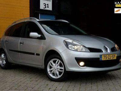 tweedehands Renault Clio Estate 1.6-16V Dynamique / NIEUWE APK / Airco / El