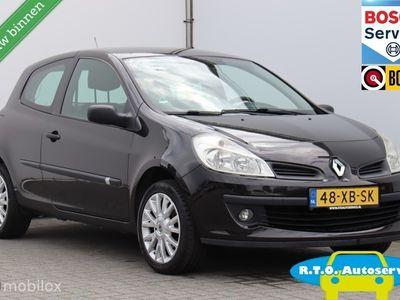 tweedehands Renault Clio 1.2-16V Authentique APK NIEUW NETTE AUTO !!