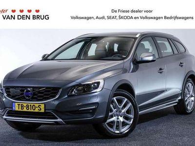 tweedehands Volvo V60 CC 2.0 T5 245 PK AUTOMAAT Polar+ | Navigatie | Leder | Stuur & Stoelverwarming | Afneembare Trekhaak | Standkachel |