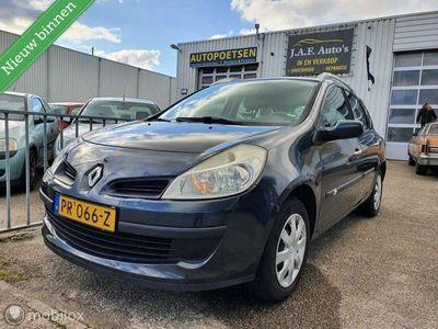 tweedehands Renault Clio 1.5 dCi Authentique Nw APK NAP zuinig