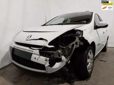 tweedehands Renault Clio 1.5 dCi Collection Airco Trekhaak Export Schade