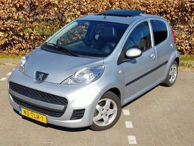 tweedehands Peugeot 107 | 5 Deurs | Dakraam I Airco | Leder