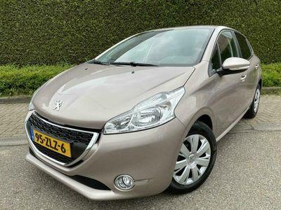 tweedehands Peugeot 208 1.2 VTi 82pk 5drs ENVY 59.000km