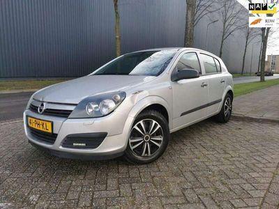 tweedehands Opel Astra 1.4 Essentia/AIRCO/CRUISE/SCHERM/LED/INRUILKOOPJE