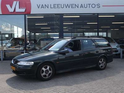 tweedehands Opel Vectra Wagon 1.6-16V Pearl Sport | Trekhaak | Airco | Inr