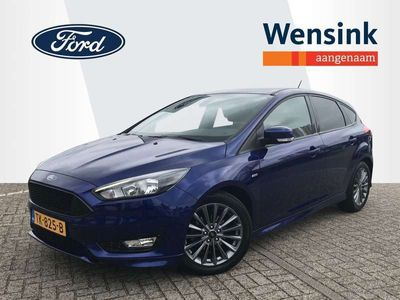 tweedehands Ford Focus 1.0 Ecoboost 125pk ST-Line 5drs | Navigatie | Climate control | Parkersensoren | Licht en regensensor |