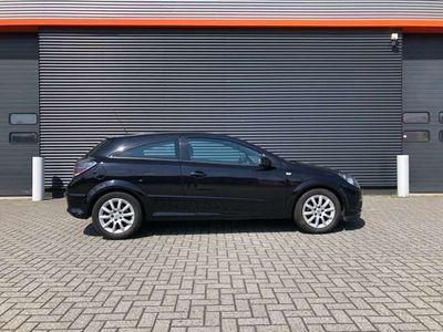 tweedehands Opel Astra GTC 1.6 Temptation automaat panodak LPG G3 NL auto