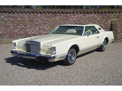 tweedehands Lincoln Continental V Superb original example first paint only 25.908