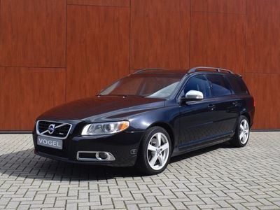 tweedehands Volvo V70 2.5 FT R-Design-231PK-Sportleer-Trekhaak