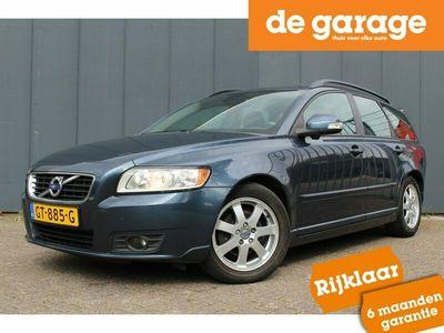 tweedehands Volvo V50 1.6 D2 115pk S/S Summum / Volleder / Navigatie / Trekhaak / Parkeersensoren / Climate / Cruise / Lichtmetalen Velgen
