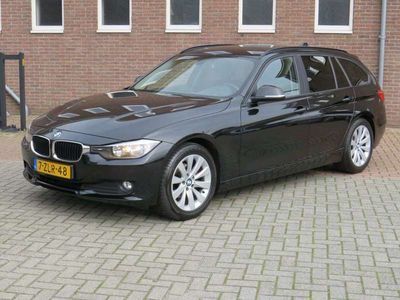 tweedehands BMW 318 318 Touring d Business Automaat // PDC V+A // C