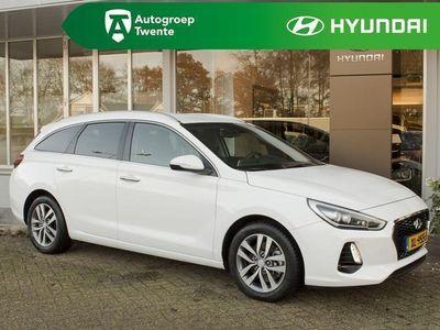 tweedehands Hyundai i30 1.4 T-GDI Premium / Halfleer / LED / Navi