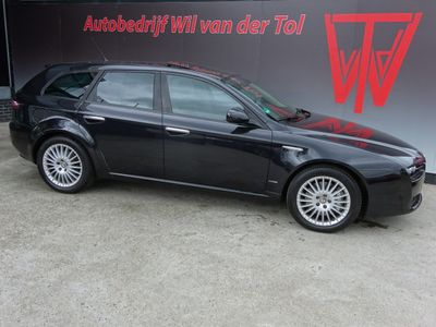 tweedehands Alfa Romeo 159 Sportwagon 2.4 JTD Q-TRONIC DISTINCTIVE   BOSE   X