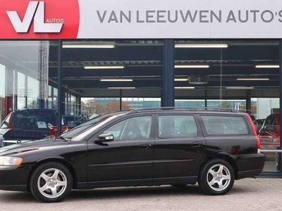 tweedehands Volvo V70 2.4D Edition | Clima | Cruise | Trekhaak | APK 11-