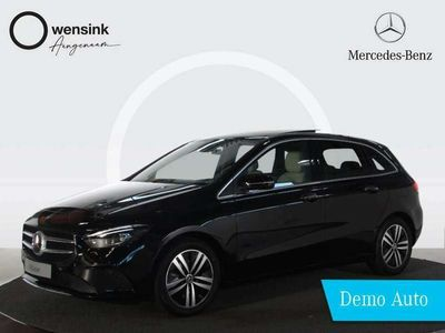 tweedehands Mercedes B180 Business Solution Luxury | Panorama-schuifdak | Achteruitrijcamera | Keyless GO | Έlectric. stoelfunctie | MBUX | DAB+ | Dodehoekassist |