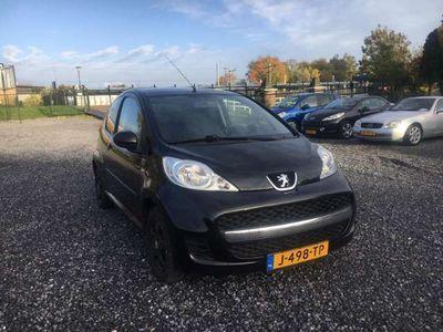 tweedehands Peugeot 107 1.0-12V Black & Sil.