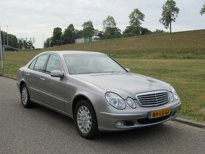 tweedehands Mercedes E220 CDI Elegance --Youngtimer--