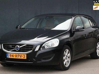 tweedehands Volvo V60 1.6 T4 Kinetic Leer/Navigatie/Parkeersensor v,a/Ad