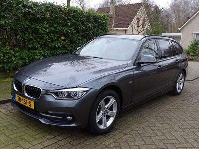 tweedehands BMW 320 320 Touring d xDrive High Executive Aut8 [ panorama