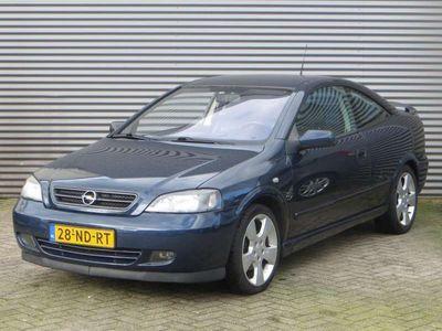 tweedehands Opel Astra Coupé 2.2-16V
