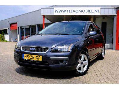 tweedehands Ford Focus 1.8-16V Ambiente Flexifuel 5-Deurs Airco Navi Deal