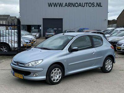 tweedehands Peugeot 206 1.4, AIRCO, STUURBEKRACHTIGING, ELEK-RAMEN, RADIO-