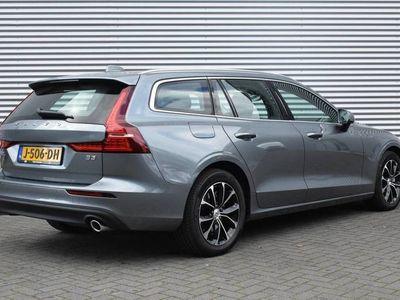 tweedehands Volvo V60 B3 AUT8 167PK Business Pro, Adaptieve Cruise Control, Pilot Assist, BLIS, Verwarmbare Voorstoelen/Stuurwiel, Park Assist Camera Achter, 17'' Velgen