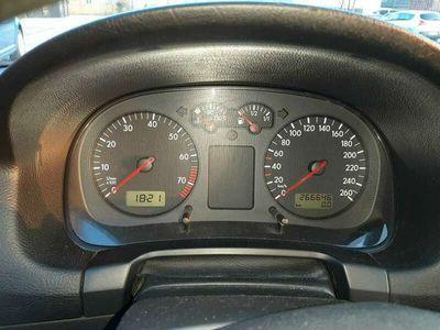 tweedehands VW Golf 1.6-16V Comfortline
