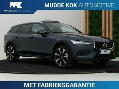 tweedehands Volvo V60 CC CC Cross Country 2.0 B5 AWD Pro | 20 Inch | A | 360° Camera | Panoramadak | Head-Up | Leder | Standkachel | Harman/Kardon | Apple Carplay | Keyless