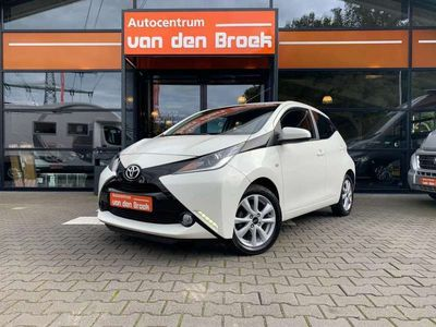 tweedehands Toyota Aygo 1.0 VVT-i x-wave Automaat 5Drs Airco Achter Uit Ri